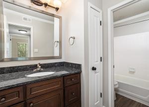 AJ Deluxe Bathroom