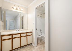 B2 Classic Bathroom-Master